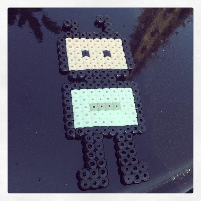 Pärlade mig en liten robot. #ggm14 #makeit