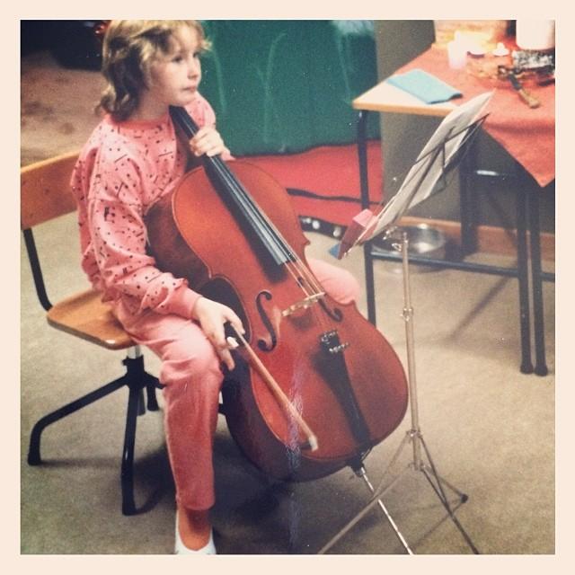 #tbt Jag, cellon och en ful permanent. #1986 el #1987