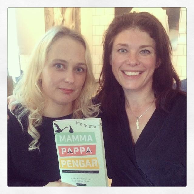 På release för #mammapappapengar med sjukt coola författarna @jossibaloo & @jennyney #kallakulor