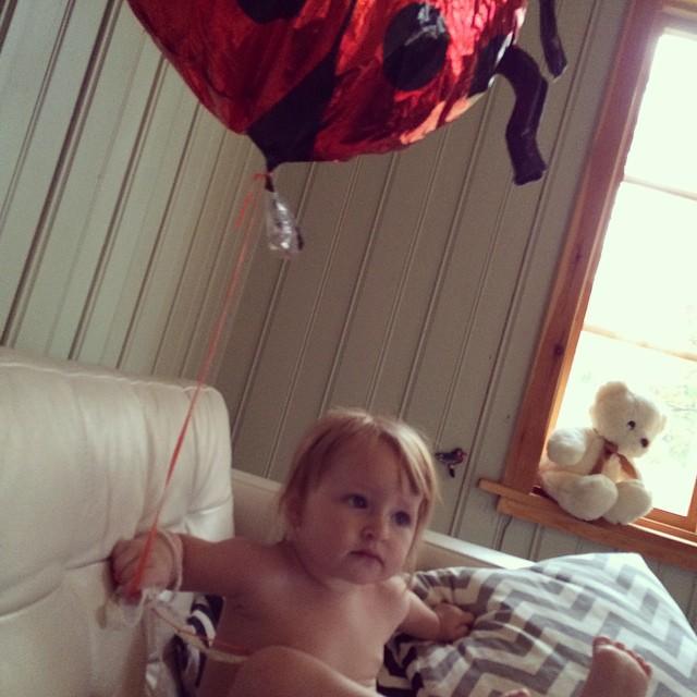 Morgon med ballong. #adabebisen