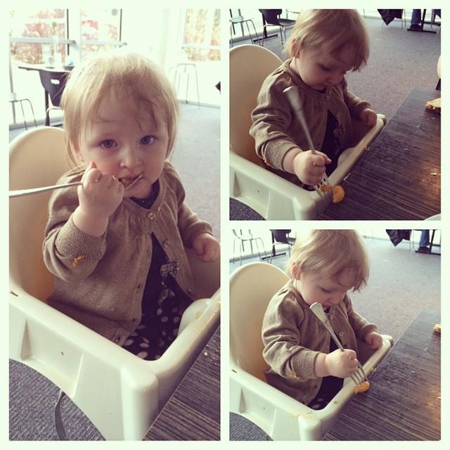 Ada snodde min gaffel o visade sig kunna använda den :) #adabebisen