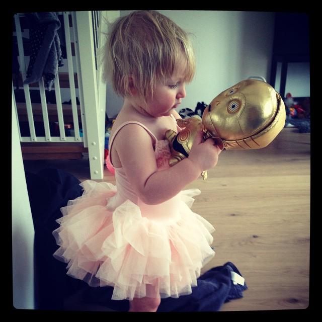 Erkänner mig skyldig till inköp av ballerinaklänning. #c3p0 #ada