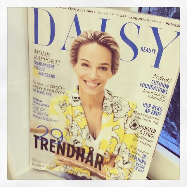#bokhorafotoutmaning dag 4. En tidning: @daisybeautymagazine Enda jag prenummererar på längre.