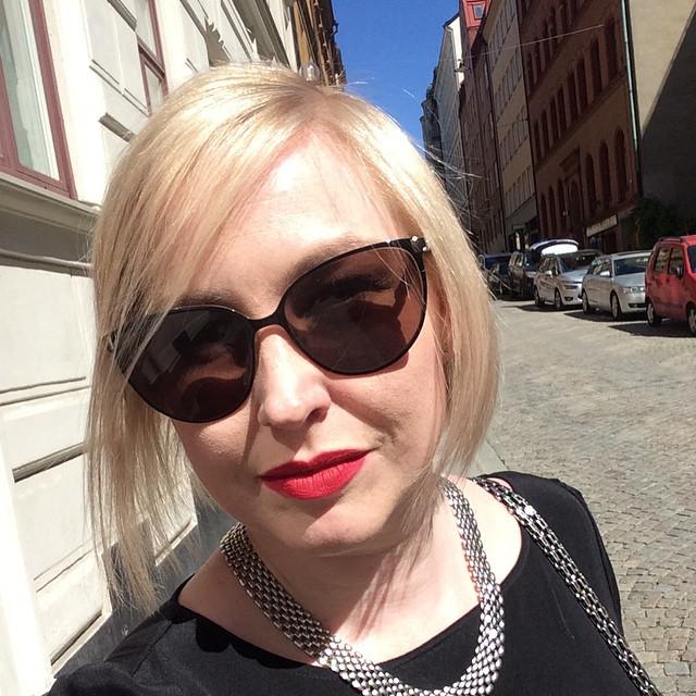 Sjukt nöjd efter dagens besök på @salongsvartensgatan7 #blondare